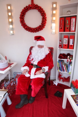 issue-1-santa-grotto-img_0276