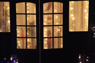 issue-1-santa-grotto-img_0294